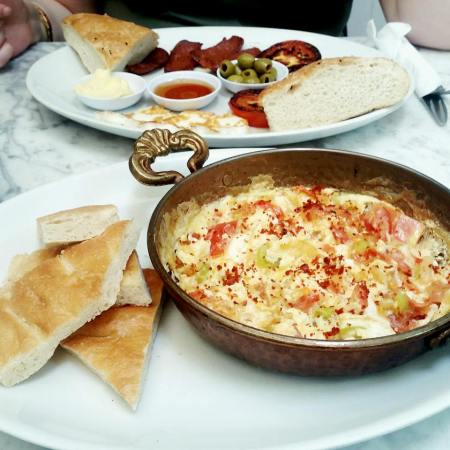 Menemen close up