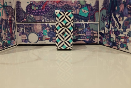 Geometric design of Look Fantasitc advent calendar box in white, black and blue