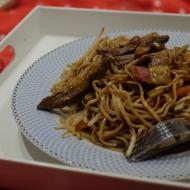 Egg noodles, beef strips and vegetables