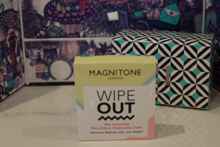 Magnitone wipe out cloth