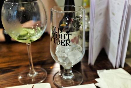 Cider glass with ice